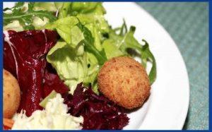 Salatteller mit Champignons